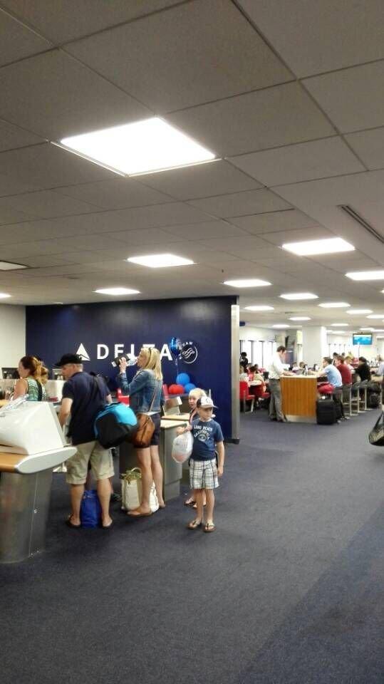 USA AIRPORT-LED PANEL LIGHT